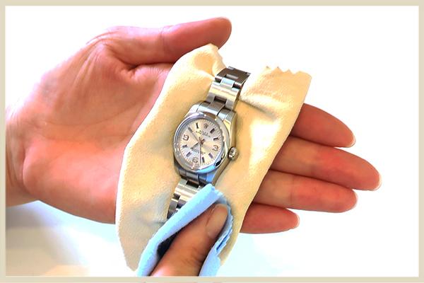 ブランド時計を高く売るポイント コンディションを保つ