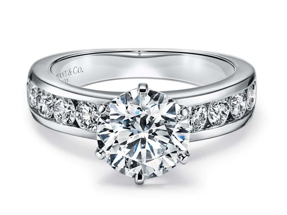 ティファニーのダイヤモンド セッティング プラチナリング