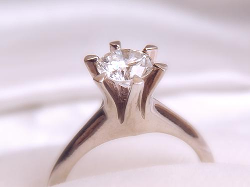 高価買取を叶える宝石使用時の注意点 ダイヤモンドでもお手入れ