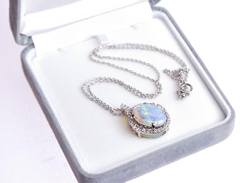 宝石を高価買取してもらうための保管方法 ジュエリーごとに正しい方法で保管 ネックレス