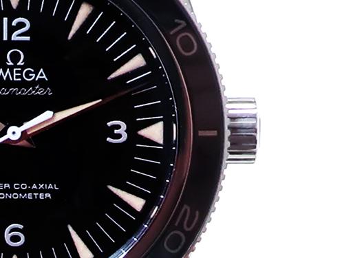 ブランド時計オメガ高価買取のための保管方法 リューズをねじ込んでから保管する