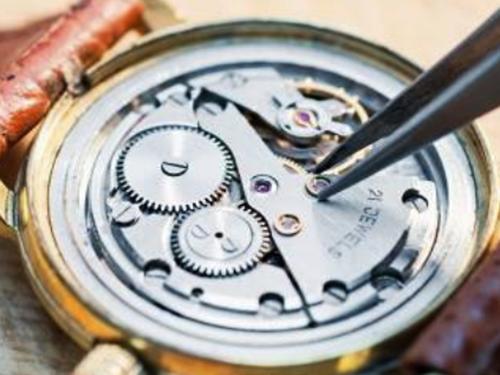 高価査定となるブランド時計 定期的にメンテナンス