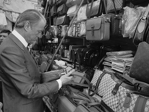 グッチ(GUCCI)の財布小物とは イタリアの職人によって製作されたグッチの皮革製品